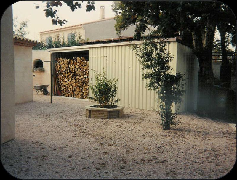 Abris stockage simple abri de stockage bozarc pour votre for Stockage bois interieur